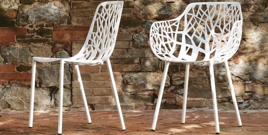 Gartenmöbel Liegen Sonnenschirme Stühle Grill Rauch Südtirol